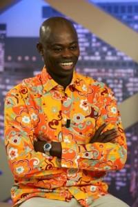 Sylvère Henri Cissé supporte le BO mais préfère les chemises Waikiki aux chemises Serge Blanco. Quelle drôle d'idée.